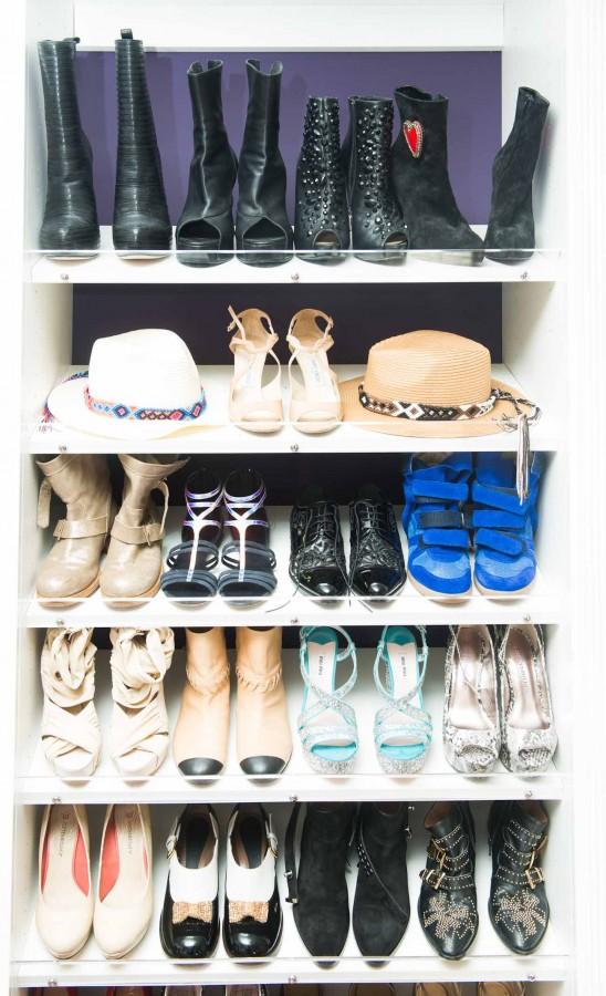 Kaley_Cuoco_Closet-003