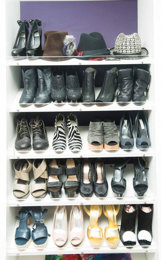 Kaley_Cuoco_Closet-005