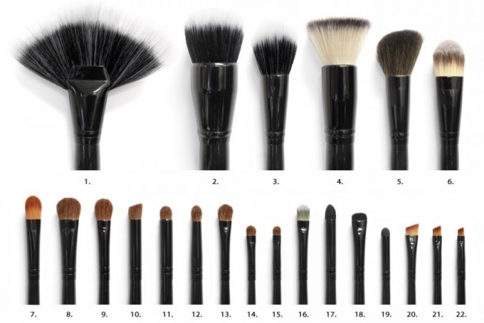 22piecebrushset_photo_brushes 2